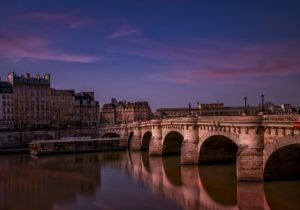 The story behind the creation of the oldest Parisian bridge