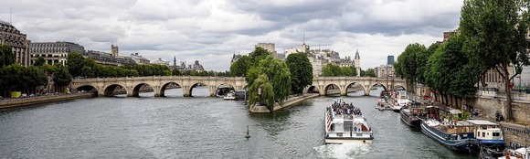 Pont Neuf has two different parts