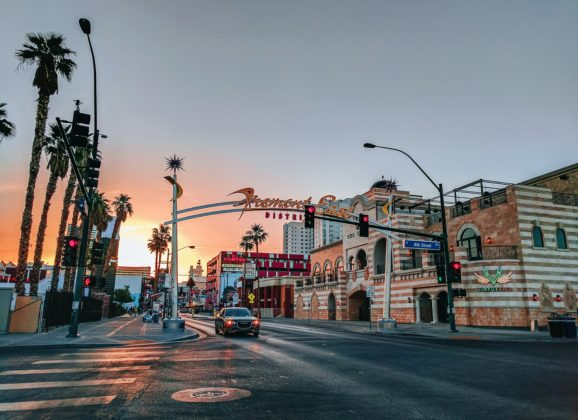 Grad koji živi od turizma – kako se Las Vegas nosi sa korona virusom?