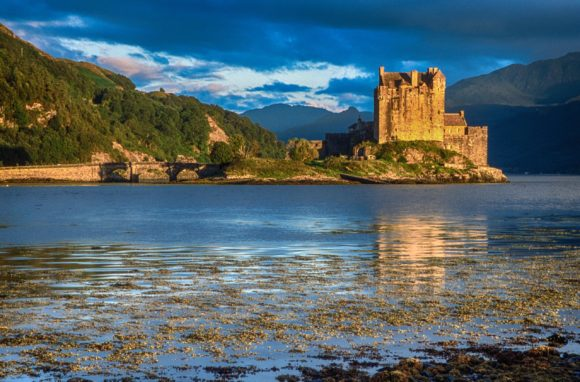 Zamak je sagradjen u ranom 13. veku kao odbrana od vikinga