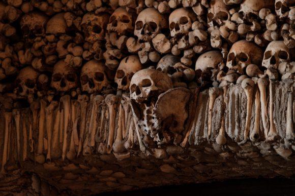 U Evori se nalazi jeziva Kapela od kostiju