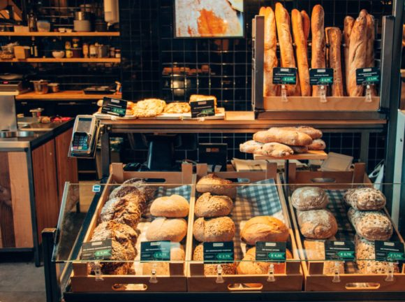 Francuzi se nisu odrekli baguette hleba ni u pandemiji!