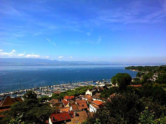 Tanon le Ben je luksuzni rizort na obali Ženevskog jezera