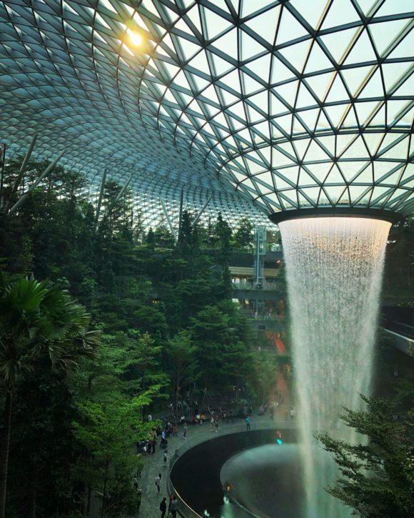 40-metarski vodopad na Changi aerodromu