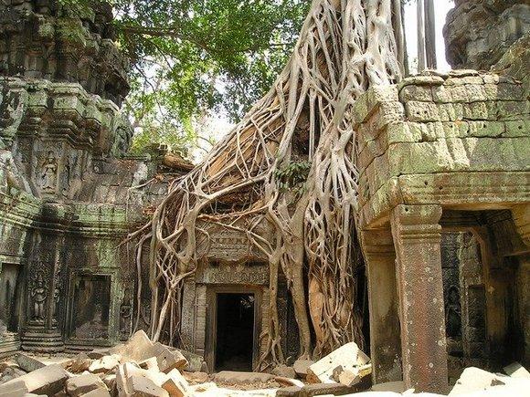Veličanstveni hram Angkor Vat, sedam stotina godina pošto je sagrađen, postao je (ponovo) najveći religijski objekat na svetu