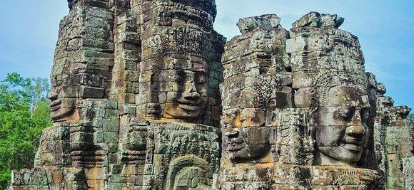 Siam Riep se odavno prilagodio ukusima putnika iz svih delova sveta. O tome svedoče restorani najraznovrsnijih kuhinja, hoteli svih kategorija