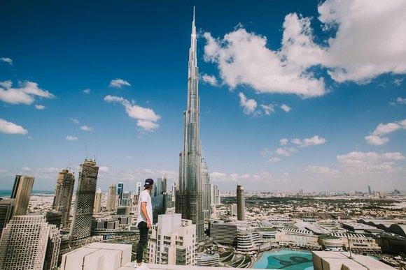 Što se tiče vremenskih prilika, najprijatnije je između novembra i marta, kada se temperatura u Dubaiju u proseku kreće oko 25 stepeni