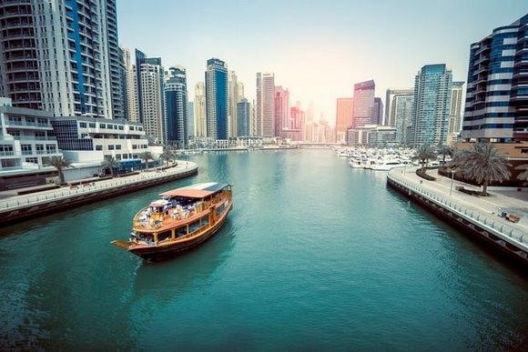 Letnji meseci jun, jul i avgust su u Dubaiju kestremno topli, a slično je i u maju i septembru