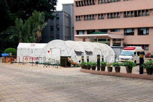 Novi slucajevi i improvizovane bolnice