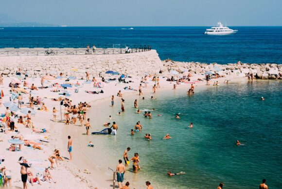 Antibi plaze