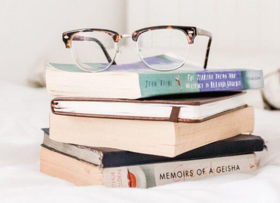 Odigrajte naš avgustovski kviz znanja i osvojite Laguna knjige!