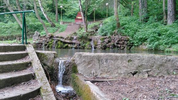 Svi parkovi su uređeni i redovno se održavaju, a najzanimljiviji je park Borići, koji se ranije zvao Vrelo