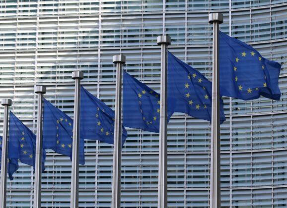 Ursula fon der Lajen: Bolja koordinacija unutar EU srediće haos koji postoji zbog različitih restrikcija putovanja